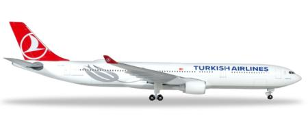 Herpa Wings Flugzeugmodell Turkish Airlines Airbus A330-300 (1:500)